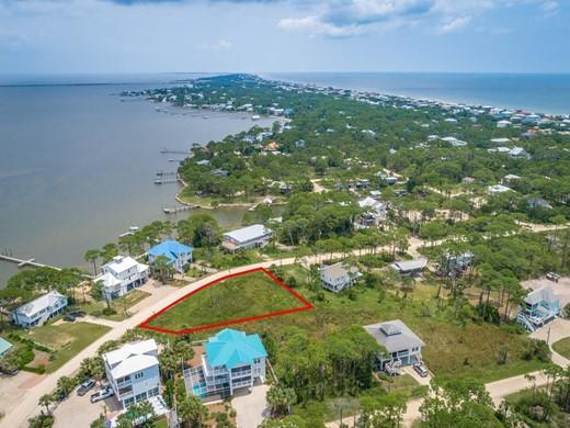 Listing #308587 located in St. George Island, FL