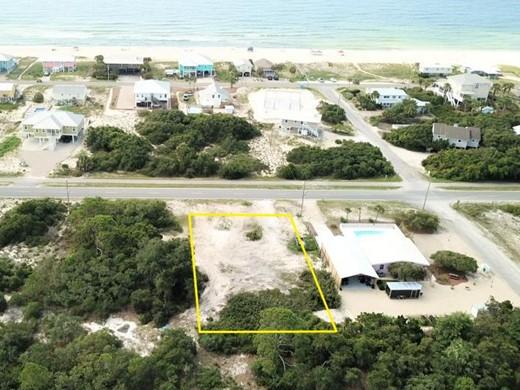 Listing #308588 located in St. George Island, FL