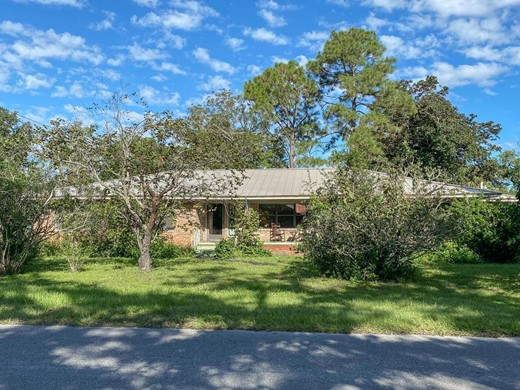 Listing #309111 located in Apalachicola, FL