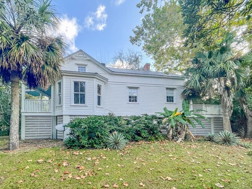 Listing #309322 located in Apalachicola, FL